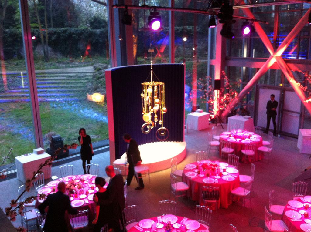 ALIVE éclaire la Fondation Cartier