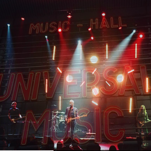 STING, pour Universal Music France !
