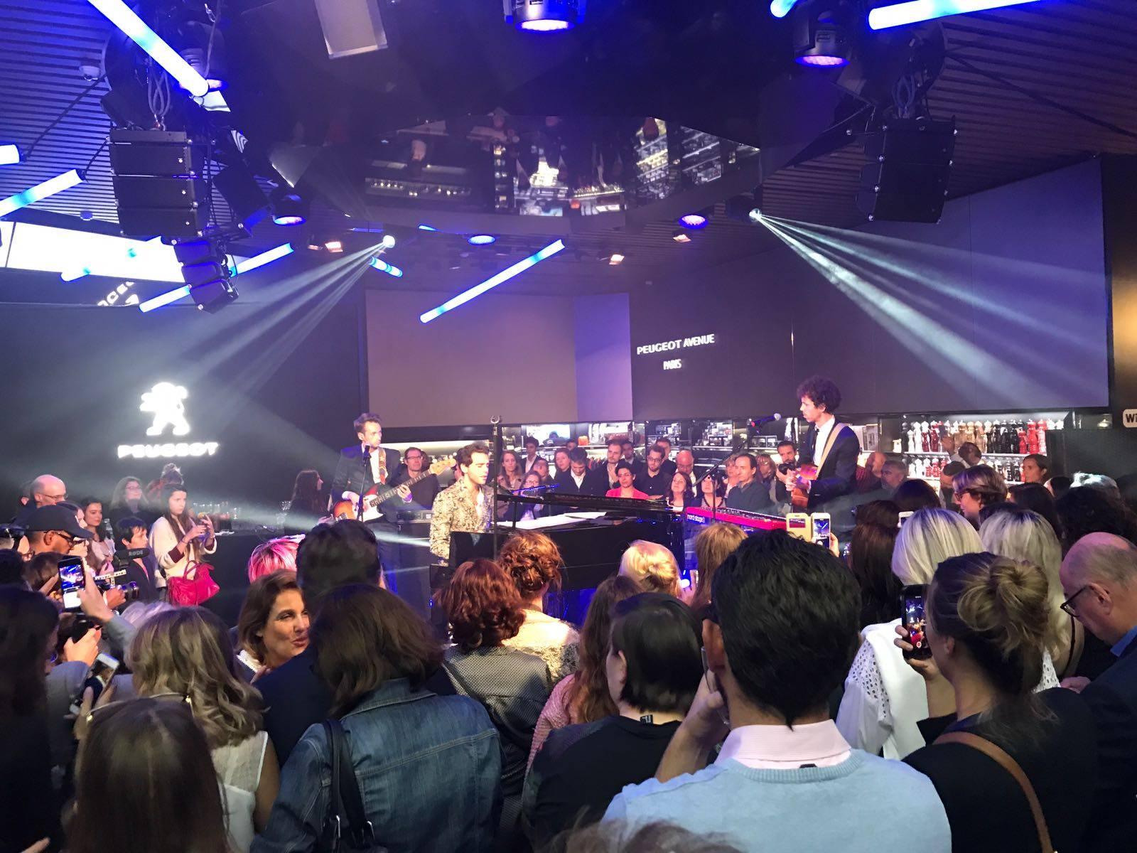 Mika en Showcase